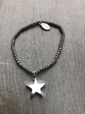 Grey beaded bracelet double stars